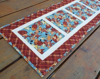 Table Runner, Table topper, quilted table runner, Dresser Scarf, Fall, fall leaves, winter,  Rustic