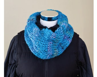 Knitting PATTERN Chunky yarn cabled cowl