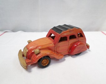 Vintage Citroen 2 horses 2 CV hand-crafted car toy w970