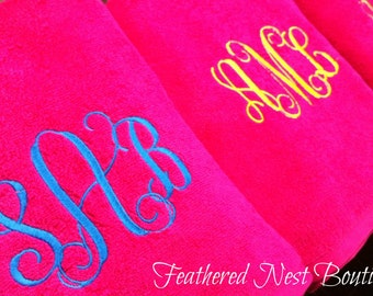 Monogram Towel - Monogrammed Towel - Script Monogram Towel - Script Monogrammed Towel - Bridesmaids Gift - Shower Gift - Bridesmaid Gift