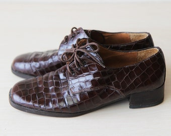 Brown patent snakeskin leather shoes 6.5