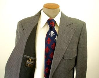 1970s Black & White Polyester Suit Jacket Mens Vintage Disco Era Knit Textured Polyester Blazer / Sport Coat by MERIT - Size 42 Long (LARGE)