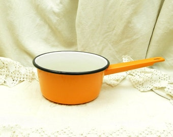 Vintage French Simple Medium Sized Orange Cooking Pan / Cooking Pot / French Country Decor / Retro Cooking / 1960s Kitchenalia / Retro Home