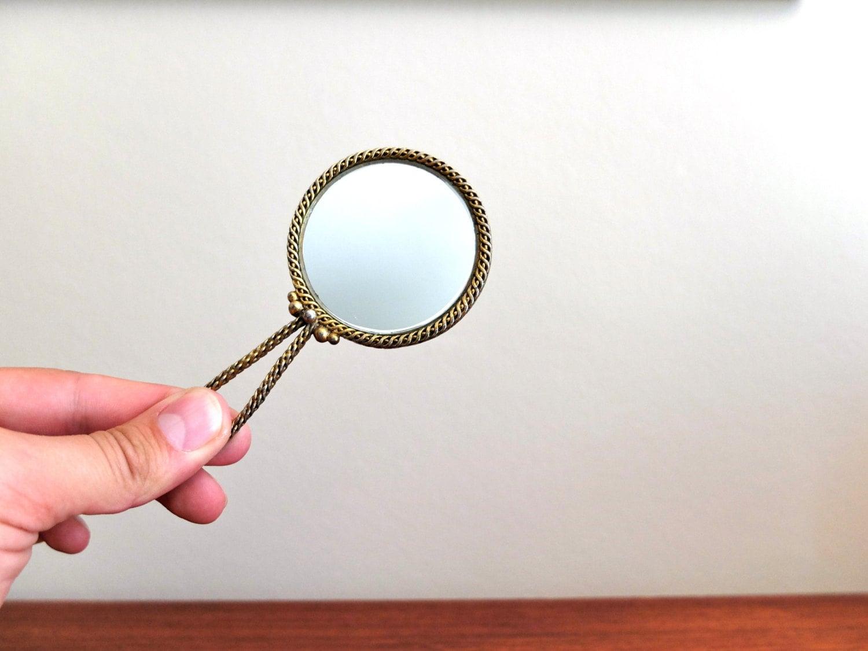 Ancien petit miroir de poche en porcelaine de limoges main for Miroir de poche ancien