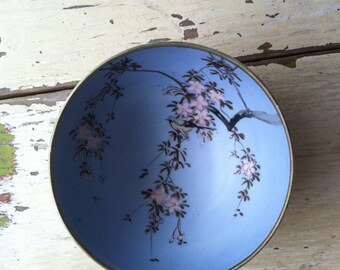 """Vintage 3 Footed """" Hand Painted In Japan"""" Bowl"""