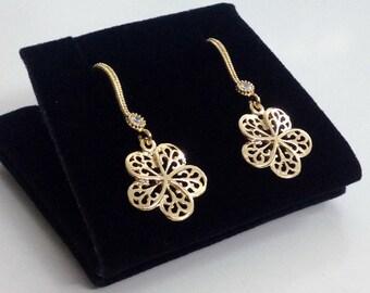 Gold Flower Filigree Earring, Classy Dainty Drop Earring, Bridesmaid Gift, Dainty Jewelry E28