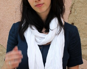 Handmade Wrinkly Linen Scarf With Fringes