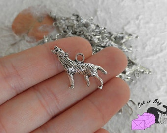 4 Charms pendants with wolf 25x18 mm - Antique silver tone - SP48