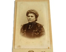 Antique Picture Card of a Victorian Woman .Antique Studio Picture . Vintage Photo Cabinet Card . Photography Portrait . Collectible Photo