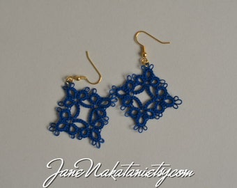 tatting lace earrings -Wedgewood-