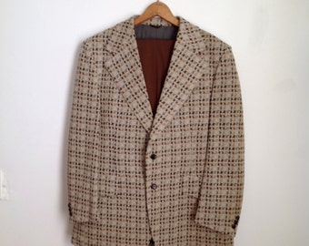 Hounds Tooth Jacket with Brown Pants - Men's 2-Piece Suit