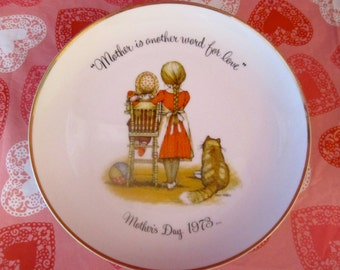 1973 Holly Hobbie Mother's Day Plate