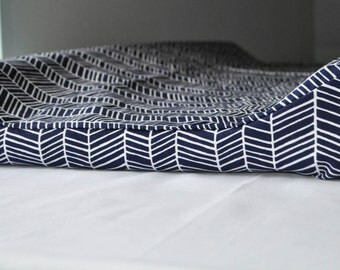 Contoured Changing Pad Cover: Navy Herringbone