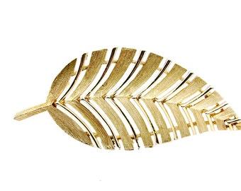 Lisner Leaf Brooch Vintage Jewelry / b7