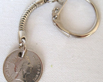 1991 British Five Pence Coin Keyring Key Chain Fob Queen Elizabeth II