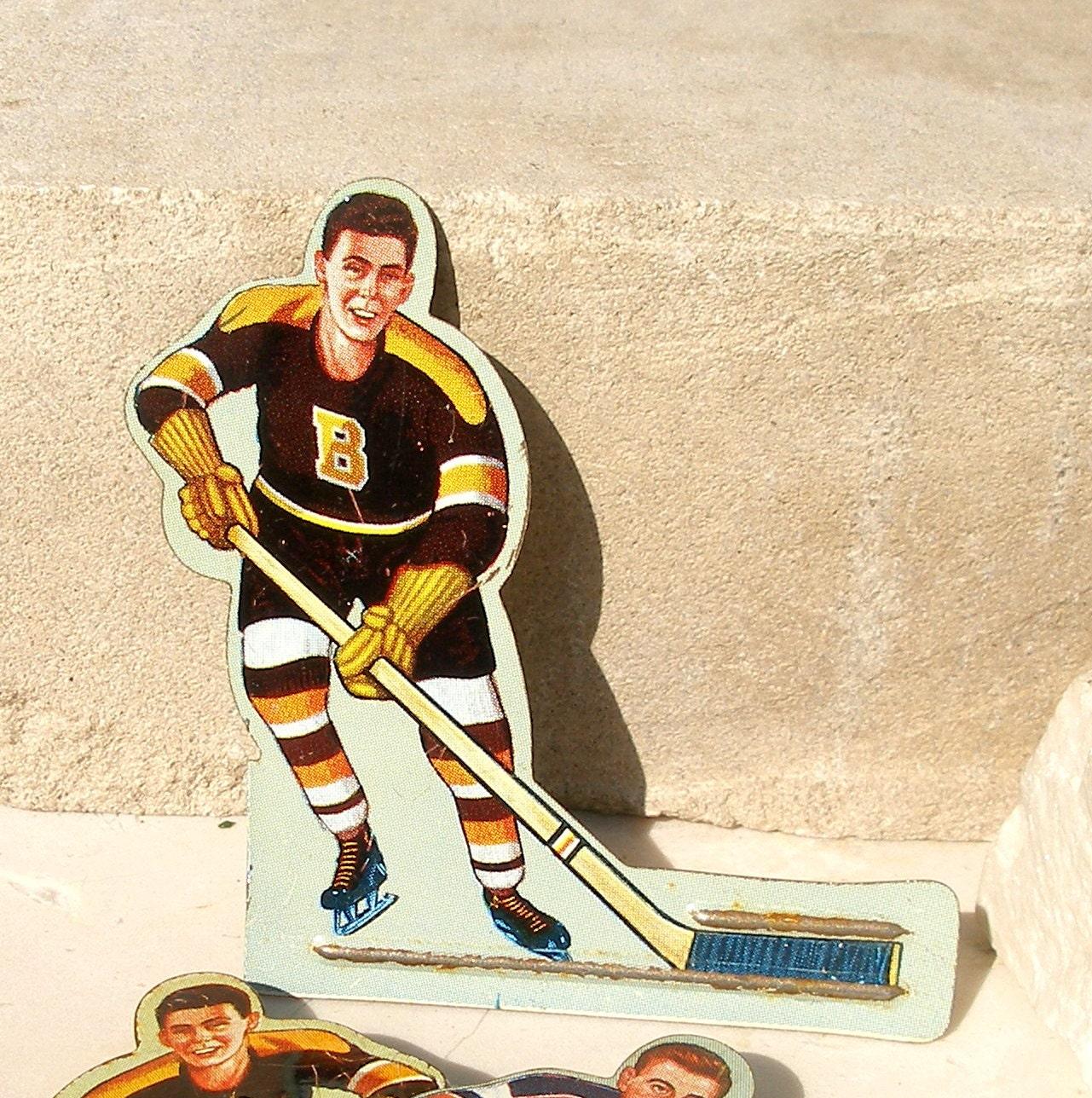 vintage metal hockey boston bruins player brooch. Black Bedroom Furniture Sets. Home Design Ideas