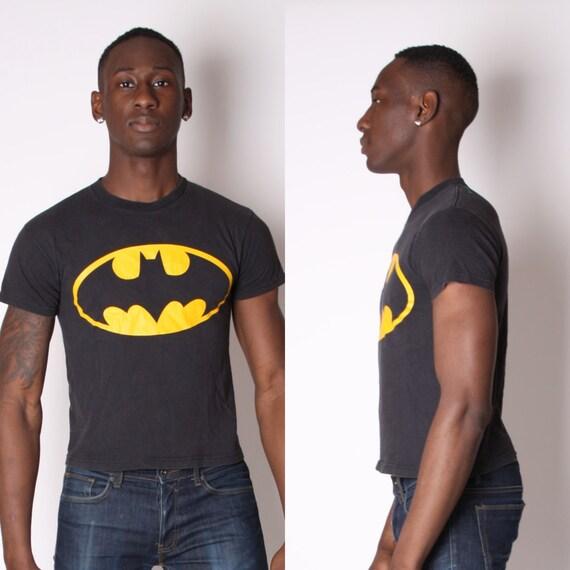 Vintage superhero t shirt batman t shirt warner bros for Retro superhero t shirts