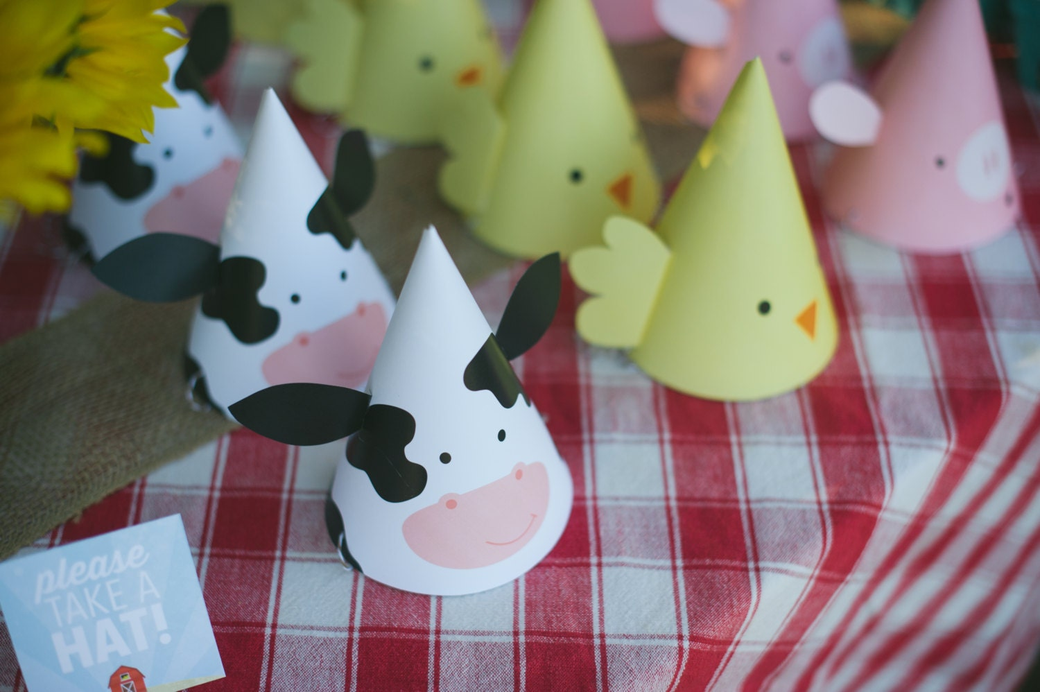 Printable party hats farm animal birthday party cow hat for Animal party decoration