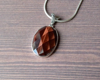 Simple Geometric Red Tiger's Eye Pendant