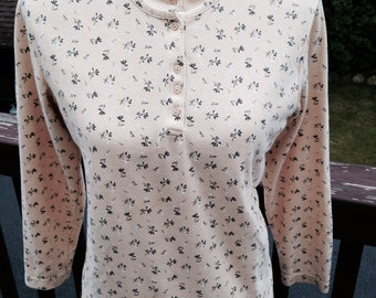 Bobbie Brooks Vintage Casual Top....knit.....mini print....pale yellow.....awesome condition