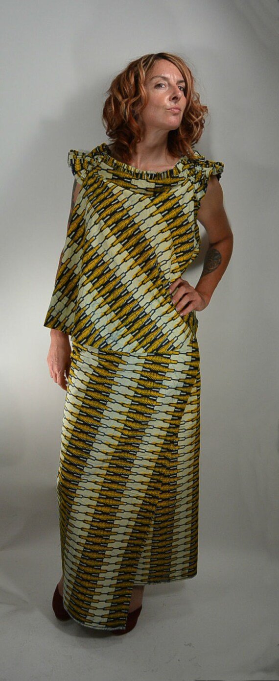 70s batik maxi skirt with matching top by coupdetatvintage