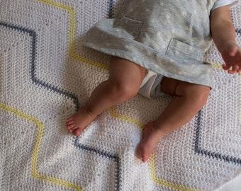 S A S S A F R A S / baby blanket / white with lemon + grey