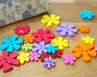 Pack of 22 flower buttons, fun, bright summer colours, various sizes