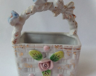 Porcelain Basket with flowers, bows and gold gild Planter