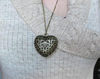 2 LEFT! - Hollow Heart Pendant Necklace