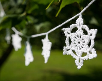 Crochet snowflake garland, crochet christmas decoration,  christmas garland,  crochet bunting, christmas decor, winter wedding garland.