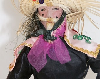 Mexican Costumed Dancer doll from the 1950/60s