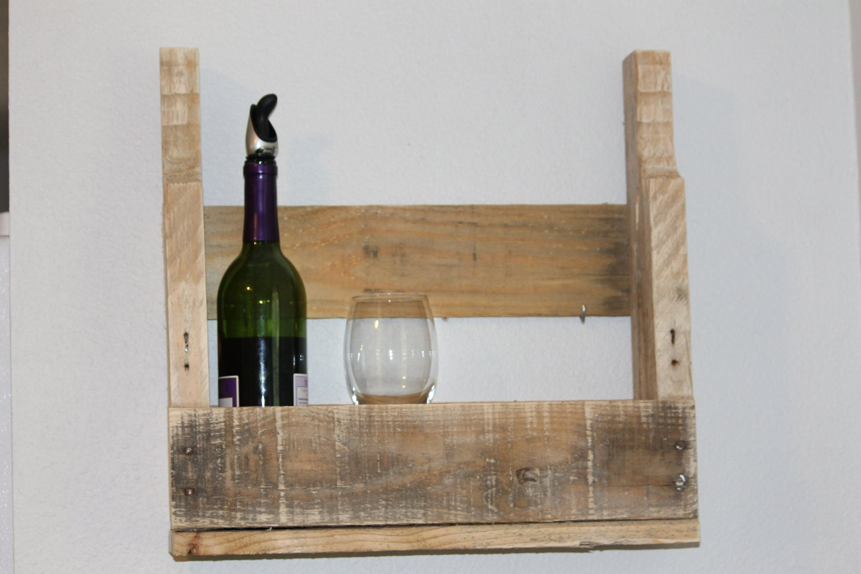 pallet wine rack reclaimed wood natural finish. Black Bedroom Furniture Sets. Home Design Ideas