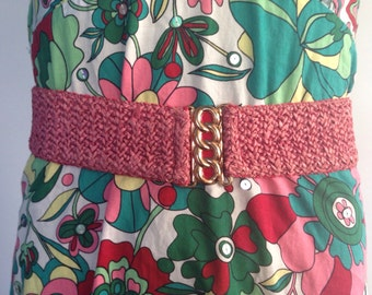 Pink Woven Belt, Spring Vintage Stretch Elastic Belt, Red Enamel Brass Knot Hook Clasp California Vintage Boho Waist Cincher Coral belt