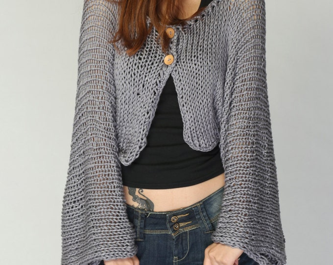 Hand knit cardigan Light Grey Kimono sleeve shrug/ little cardigan