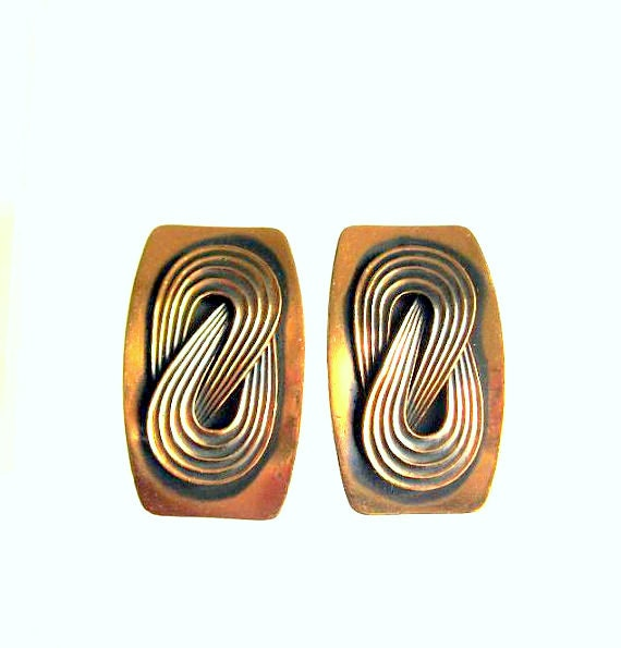 Mid-Century Modernist copper Earrings with love knot, shield style