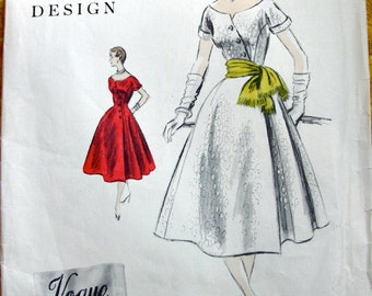 UNCUT 1950s  VOGUE Couturier Sewing Pattern 800 - GORGEOUS Asymmetrical Off Shoulders Evening Dress - with Vogue Label * Size 12