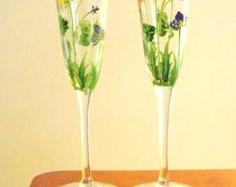 Pair of 2 Flower Wine Glasses, Tall Hand Painted Clear Glass, Long stem Wildflower Glasses, Pretty barware