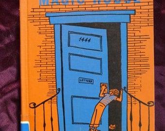 I Know a Magic House 1956 Julius Schwartz