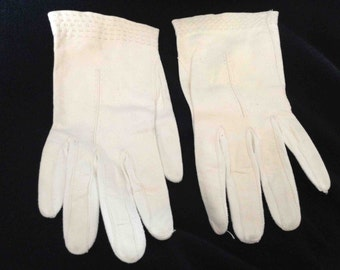 Vintage White Hand-Sewn Soft Leather Gloves For Small Hands - Free Shipping