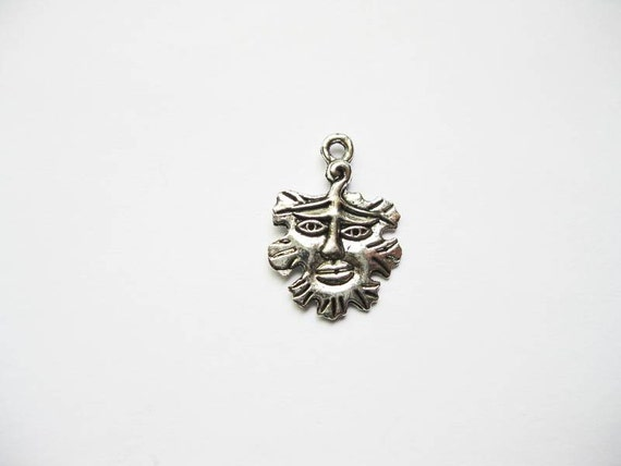 6 Wicca Man Charms in Silver Tone - The Green Man - C847