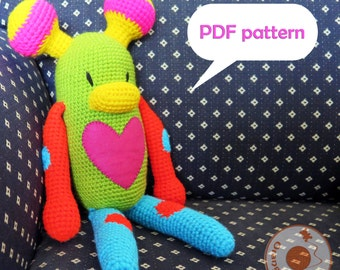 Crochet pattern Sally the alien amigurumi