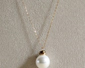 Pearl Necklace - Large Wh...