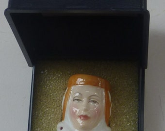 Vintage Francesca Porcelain Thimble: Juliet (from Shakespeare's play Romeo and Juliet)