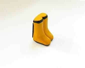Rain Boots Magnet | Kitchen Magnet | Rubber Boots Magnet | Polymer Clay Magnet | Yellow Rain Boots Magnet | Small Magnet | Rain Magnet
