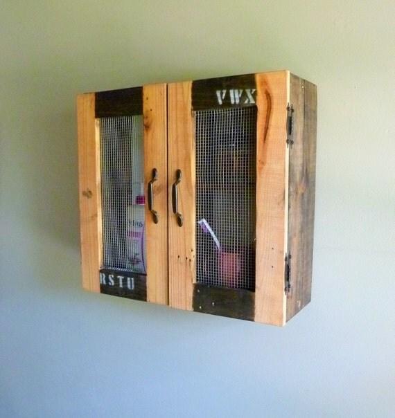 grange bois armoire de toilette armoire par jrusticfurniture. Black Bedroom Furniture Sets. Home Design Ideas
