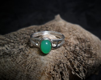 Sterling silver with chrysoprase ring