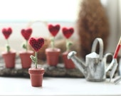 ONE Crochet heart in the pot, Mother's day, Valentine Decoration, sympathy gift, potted flower, Tiny HEART in a pot, crochet art, red, green
