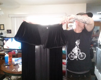 Goth Cape! It Gives You Goth Powers!