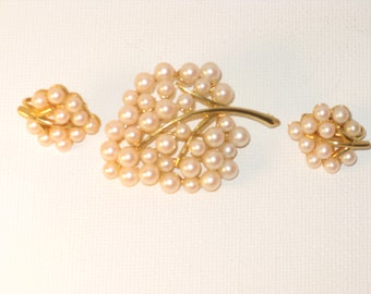 Vintage Faux Pearl Leaf Brooch and Clip Earrings Demi Parure (B-3-7)