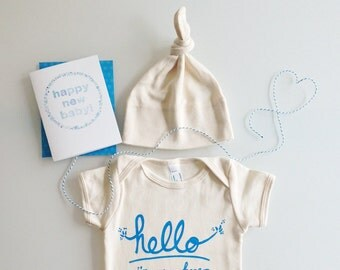 Hello I'm New Here Baby Gift Set, baby shower gift, boy baby present, modern baby (blue) by eggagogo